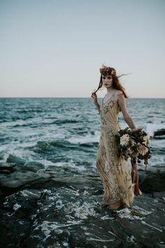 Dramatic and moody beach wedding | Allison Markova Photography