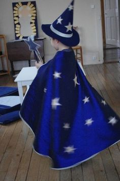 Déguisement de magicien Plus Wizard Costume, Steve Costume, Kids Witch Costume, Cool Costumes, Halloween Costumes For Kids, Costume Carnaval, Magic For Kids, Magic Party, Butterfly Dress