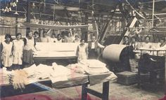 1920s laundry, Gosport. From Hampshire County Council Arts and Museums Service collection HMCMS:GP1978.396