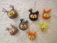 These are the cutest! but not in English..  OWL - Keychain OWL - Keychain Crochet - YouTube