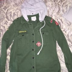 Forever 21 hoodie jacket adorable Forever 21 hoodie jacket, barely worn Forever 21 Jackets & Coats