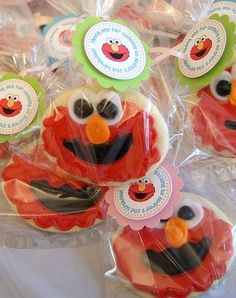 Elmo cookies and party favor tags