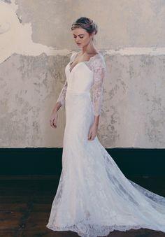 ONE DAY BRIDAL 'CURIOUS HEARTS' 'Gwen' enquiries@loveoneday.com.au www.onedaybridal.com.au