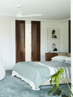 Alwill Interiors and Luigi Rosselli Architects beautifully modernise a mid-century home, making for a Bellevue Hill home quite unlike the rest. Living Area, Living Spaces, Double Sliding Doors, 1950s House, Relax, Bedroom Carpet, Mid Century House, Interior Design Studio, Mid Century Design