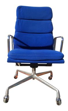 Herman Miller Eames Soft Pad Aluminum Group Chair