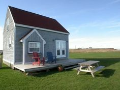 PEI Vacation Accommodations offering PEI vacationers PEI Vacation Rentals - PEI Cottage Rentals - PEI Beach Front Rentals and Golf Courses and Beaches on PEI. Beach Sunsets, Prince Edward Island, Motel, Vacation Rentals, Cottages, Baths, Golf Courses, Shed, Presents
