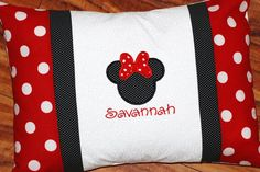 Girls or boys personalized Minnie or mickey Mouse pillowcase Disney travel pillow case autograph pillow Disney Diy, Disney Crafts, Disney Trips, Disney Travel, Disney Cruise, Disney Pillows, Disney Quilt, Mickey Mouse Quilt, Mickey Minnie Mouse