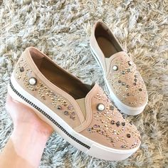 Trendy Shoes, Cute Shoes, Casual Shoes, Fashion Shoes, Fashion Accessories, Wedding Shoes Heels, Luxury Shoes, Girls Shoes, Designer Shoes