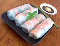 vietnamese spring rolls with hoisin sauce