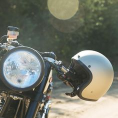 "BILTWELL Bonanza ""Flat Titanium"": great oldschool open face helmet with DOT standard. Check out more retro motorcycle helmets at 24Helmets.de!"