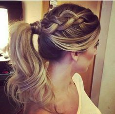 rabo-de-cavalo-com-tranca Messy Hairstyles, Wedding Hairstyles, Corte Y Color, Girl Haircuts, How To Make Hair, Ombre Hair, Prom Hair, Hair Hacks, Hair Trends