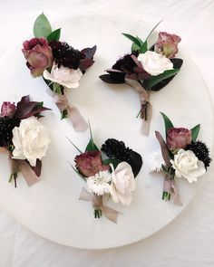 Determining Who Wears Flowers At Wedding For The Best Planning – Bridezilla Flowers Simple Wedding Bouquets, Neutral Wedding Flowers, Floral Wedding, August Wedding Colors, Burgundy Wedding Theme, Button Holes Wedding, Aisle Flowers, Bloom Baby, Winter Bouquet