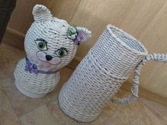 Плетение из газет Basket Weaving, Crochet Hats, Paper, Weave, Baskets, Knitting Hats, Hair Lengthening, Hampers, Basket