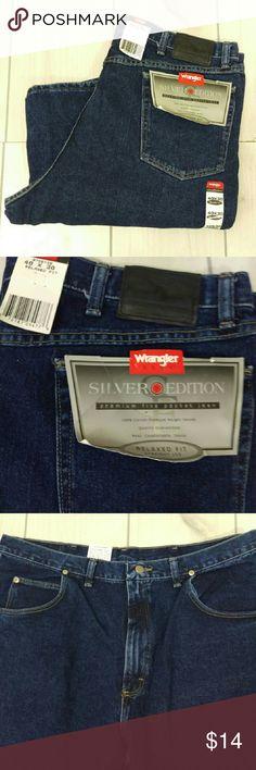 """Wrangler Blue Jeans 40 X 30 Silver Edition Wrangler Silver Edition Relaxed Fit Jeans  Classic Blue 972SE1SE Waist 19.5"""" across, inseam 31"""", leg opening 9"""" across, rise 13.5""""  EST3 Wrangler Jeans Relaxed"""
