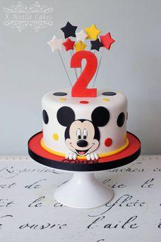 Ideas para pasteles o tartas fiesta Mickey Mouse - Apfel Kuchen - Ostern Bolo Do Mickey Mouse, Festa Mickey Baby, Mickey Mouse Smash Cakes, Theme Mickey, Fiesta Mickey Mouse, Bolo Minnie, Mickey Cakes, Mickey And Minnie Cake, Mickey Birthday Cakes