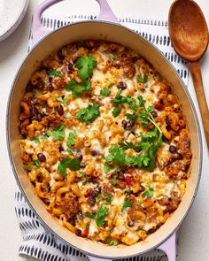 With smoky seasoned ground beef, spicy salsa, and gooey cheese, this one-pot pasta dinner is everything you love about the classic beef taco.