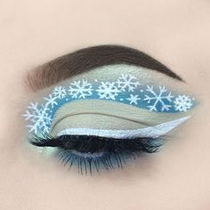 WEBSTA It snowed here yesterday and it made me so happy! I had to do a snowy look❄️ - dip brow pomade in medium brown - home sweet home, Kim chi and velocity - hydra liner in space panda - black magic mascara - mint kiss highlighter Attractive Eyes, Makeup Inspiration, Makeup Ideas, Dip Brow, Brow Pomade, Fx Makeup, Christmas Makeup, Makeup Designs