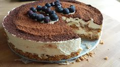 Tiramisutaart met cantuccini bodem / Tiramisu cake with cantuccini cookies Italian Desserts, Köstliche Desserts, Baking Recipes, Cake Recipes, Dessert Recipes, Cake Cookies, Cupcake Cakes, Thermomix Desserts, Sweet Pie