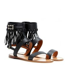 Valentino Fringed Leather Sandals (11,365 MXN) ❤ liked on Polyvore featuring shoes, sandals, flats, flat sandals, black, valentino shoes, black fringe sandals, leather sandals, black leather flats and fringe flat sandals