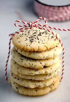 Lime Poppy Seed Cookies: These cookies are light and crispy wafers. The lime gives them a hit of citrus, and the poppy seeds add interesting texture. Holiday Cookie Recipes, Holiday Cookies, Just Desserts, Dessert Recipes, Poppy Seed Cookies, Yummy Treats, Sweet Treats, My Favorite Food, Favorite Recipes