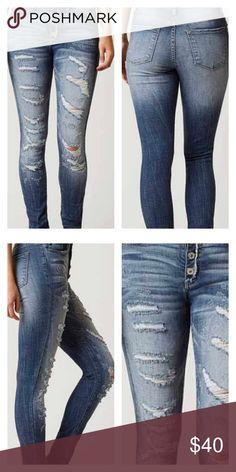 KANCAN JEANS SALE Mid rise skinny distressed Kancan Jeans Skinny