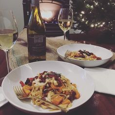 """@cabotcheese """"This Chardonnay from #SmokingLoon is a delicious match for this butternut squash pasta dish... of course it's topped with a little #AlpineCheddar! Visit…"""""""
