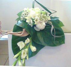 tafel deco - creatie met ornitogalum, freesia, aspedistra, pioen - flowered by falenopsis boechout