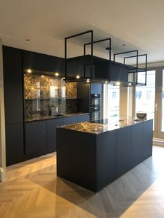 Kitchen Dinning, Living Room Kitchen, Home Living Room, New Kitchen, Kitchen Lighting Design, Modern Kitchen Design, Interior Design Kitchen, Black Kitchens, Home Kitchens