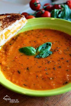 Supă de roșii cu busuioc Soup Recipes, Vegetarian Recipes, Romanian Food, Desert Recipes, Soul Food, Food Hacks, Food And Drink, Meals, Dishes
