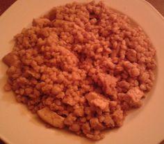 Gyorsan elkészíthető tarhonyás hús recept. http://receptek365.info/sertes-etelek/tarhonyas-hus/