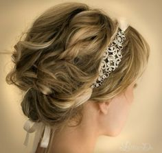 Beautiful headband; looks perfect for a wedding