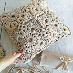 Knitting Crochet Deco Hacer Punto Estilo - Diy Crafts - maallure So what will be… in 2020 (With images) Crochet Pillow Cases, Crochet Pillow Patterns Free, Crochet Cushion Cover, Crochet Mandala Pattern, Crochet Motifs, Crochet Cushions, Crochet Squares, Knitting Patterns, Diy Crafts Crochet