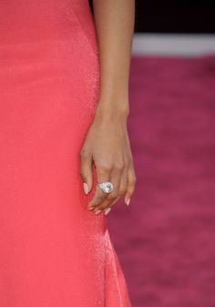 O Blog da Maria. Óscares 2013. #casamento #vestido #jóias