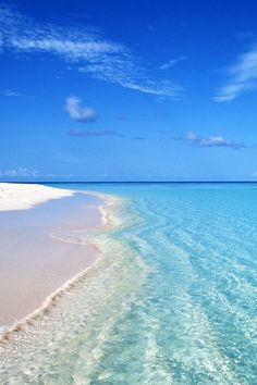 Happiness comes in salty water F L R D A Beach Life . Dream Vacations, Vacation Spots, Places To Travel, Places To Visit, I Love The Beach, Pretty Beach, Beach Scenes, Ocean Beach, Beach Sunsets