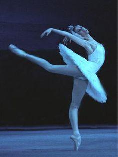 Svetlana Zakharova as 'Odette/Odile' in 'Swan Lake' Svetlana Zakharova, Ballet Dance, Ballet Shoes, Dance Shoes, Ballet Russe, Ballet Beautiful, Lets Dance, Swan Lake, Forever