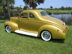 1939 Ford DeLuxe Coupe custom