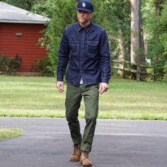 new Rinsed Neppy Denim Workshirt via the homies Mature Mens Fashion, Old Man Fashion, Workwear Fashion, Denim Fashion, Fashion Outfits, Raw Denim, Denim Jeans Men, Casual Outfits, Men Casual