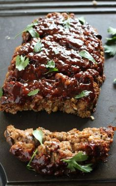 Editor's Note: This recipe has been updated. Old pictures of original post are below. I loved meatloaf as a kid. As I got older, I wanted to keep my traditional meatloaf recipe but make it healt… Easy Smoothie Recipes, Easy Smoothies, Traditional Meatloaf Recipes, Gourmet Recipes, Vegan Recipes, Vegan Ground Beef, Vegan Crumble, Lentil Loaf, Vegetarian Food