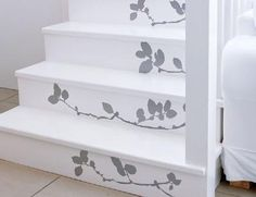 Stenciled Stairs - white with grey flowers Stenciled Stairs, Painted Stairs, Decoration Gris, Flooring For Stairs, Diy Casa, Creation Deco, Stairways, My Dream Home, Home Projects