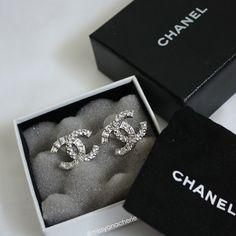 ✨ Chanel diamond earrings