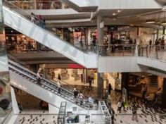 Când s-ar putea deschide mall-urile? Ministrul Economiei a făcut anunțul Safety Shop, Sprained Ankle, Hair And Beauty Salon, Christmas Shopping, Shoe Collection, Retail, High Glucose Levels, Earn Cash Online, Black