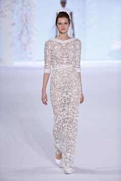 Fashion Friday: Ralph and Russo Spring/Summer 2016 Collection   http://brideandbreakfast.ph/2016/02/12/ralph-and-russo-ss-2016/