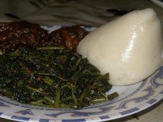Fufu Corn and Njama-Njama with Katikati Cameroon Food, Nigeria Food, Flour Mill Machine, World Recipes, Delish, Main Dishes, Favorite Recipes, Super White, Meals
