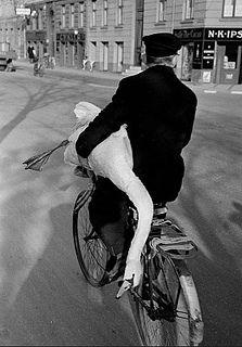 Danish Bicycle History - Swan Song by Mikael Colville-Andersen, via Flickr
