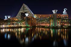 Swan & Dolphin Hotel - Walt Disney World Florida