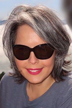 Gray Wig Lace Frontal Wigs make grey hair shine – prifects Medium Hair Styles, Natural Hair Styles, Short Hair Styles, Grey Hair Inspiration, Gray Hair Growing Out, Grey Wig, Silky Hair, Short Hair Cuts, Wigs