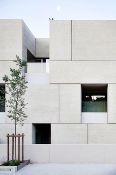 Best Modern Apartment Architecture Design 58 image is part of 80 Best Modern Apartment Architecture Design 2017 gallery, you can read and see another amazing image 80 Best Modern Apartment Architecture Design 2017 on website Architecture Design, Minimal Architecture, Facade Design, Contemporary Architecture, Exterior Design, Computer Architecture, Contemporary Stairs, Contemporary Building, Contemporary Wallpaper