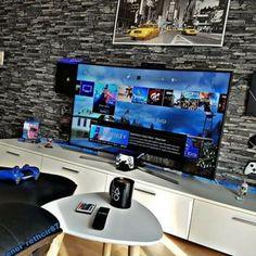 Living Room Setup, Bedroom Setup, Home Decor Bedroom, Simple Computer Desk, Computer Gaming Room, Computer Technology, Otaku Room, Video Game Rooms, Lego Room
