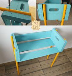 More fruit crates Car Furniture, Furniture Update, Refurbished Furniture, Furniture Makeover, Furniture Design, Cool Things To Build, Bicycle Decor, Wood Crates, Shelf Design