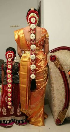 Order Fresh flower poolajada, bridal accessories from our local branches present… South Indian Wedding Hairstyles, Bridal Hairstyle Indian Wedding, Bridal Bun, Bridal Braids, Bridal Hairdo, Bride Hairstyles, Indian Hairstyles, Bridal Photoshoot, Hairstyle Ideas